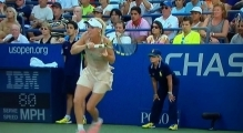 Caroline Wozniacki gets hair stuck around racket -us open 2014