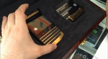 BlackBerry Porsche Design Gold